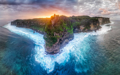 Uluwatu Temple Morning glow