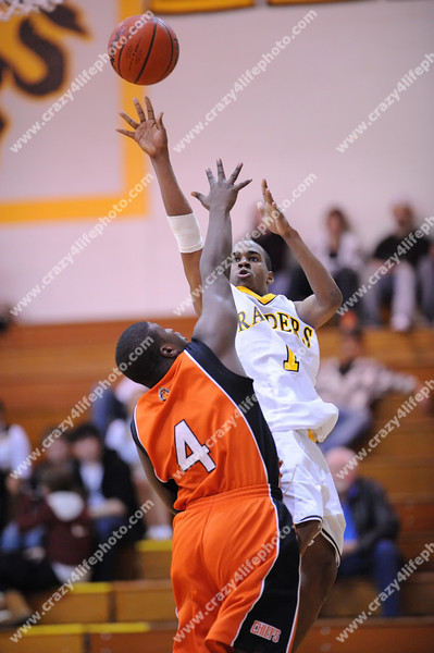 Pontiac Central v. North Farmington<br /> High School Boys Basketball<br /> 2008