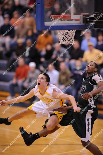 West Bloomfield vs. Clarkston<br /> Boys High School Basketball<br /> 2008