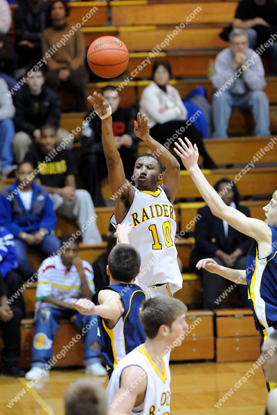 Clarkston v. North Farmington<br /> High School Boys Basketball<br /> 2007
