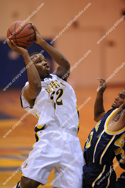 Clintondale vs. Detroit Country Day<br /> Boys High School Basketball Districts<br /> 2008