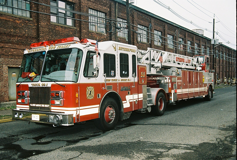 Photo's from East Rutherford 3rd alarm Vac Building Fire Patterson X Oak St. 4-11-07