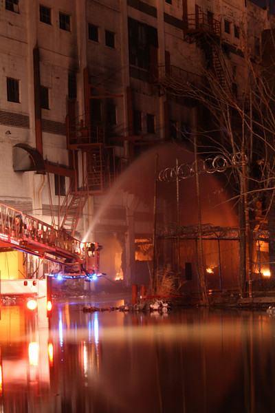 Elizabeth 7th Alarm+ Newark Ave 12-23-11 (ABOUT 48HRS. INTO THE FIRE)