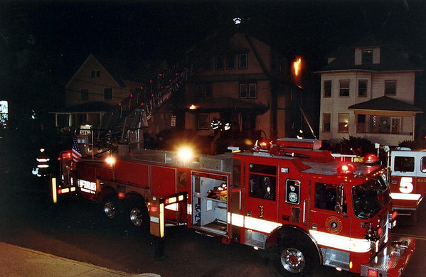 Photo's from  Hackensack 3rd alarm Passic St. 21:00 hrs 5-9-06