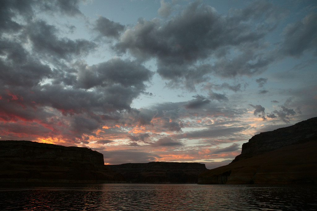Sunrise Rock Creek Bay-Lake Powell