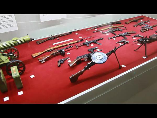 Миниатюрные действующие макеты существующего оружия