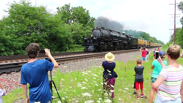 VIDEO - Big Boy in Glen Ellyn