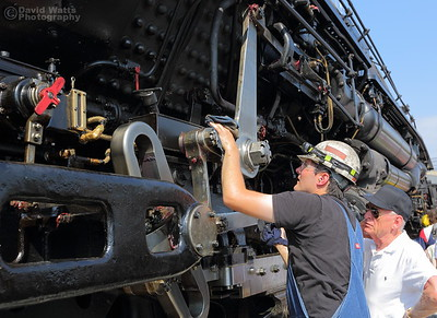 Inspecting and Maintaining Big Boy 4014