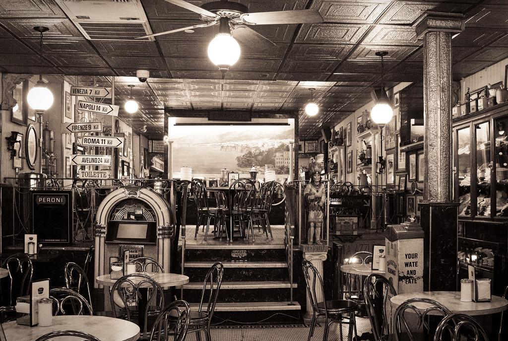 Cafe Vittoria<br /> Boston's North End