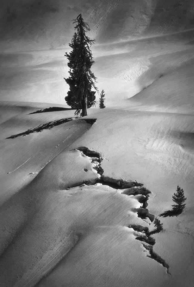 Creeping snow drift