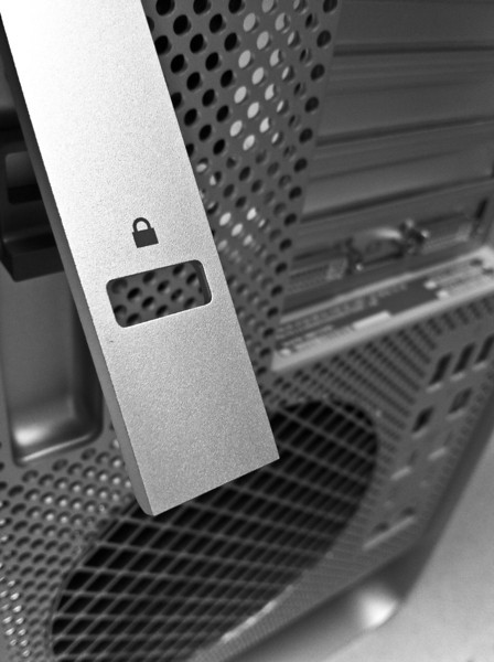 """<span id=""""date"""">_08/27/10_</span> <span id=""""title"""">Fancy Mac</span> Even Apple haters can't deny the beautiful engineering of the Mac Pro chassis. This one is a couple years old, but I just got it at work to use today. This shot was taken with my phone, it's pretty much a desperation shot. Have a super weekend, y'all!  <a href=""""http://www.jawsnap.net/Daily/year2/7157835_BfJPF#632372508_ximNP"""">[last year]</a>"""