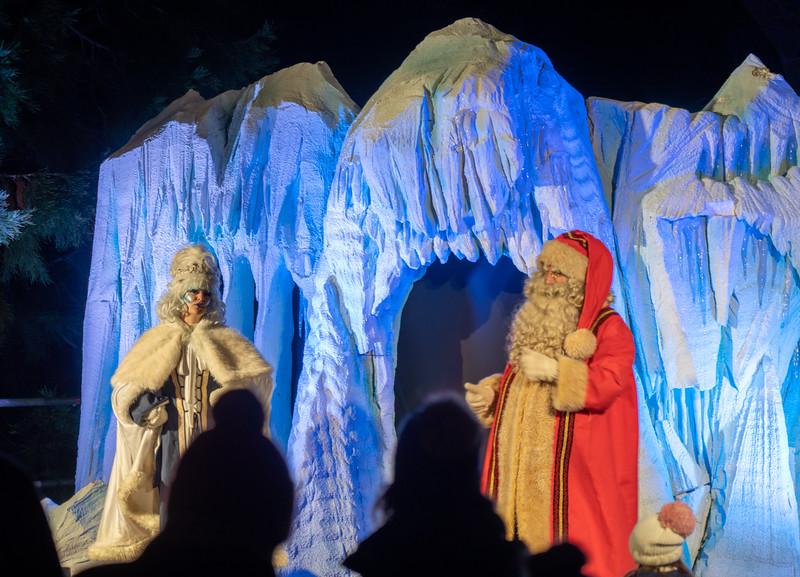 Christmas at Blenheim Palace 2019, Illuminated Light Trail - 31/12/2019@19:17