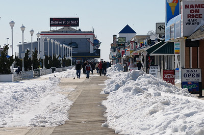 Feb 14......While the merchants were open the crowds were thin, and all that snow didn't help matters.....neither did the mid 30's temps.