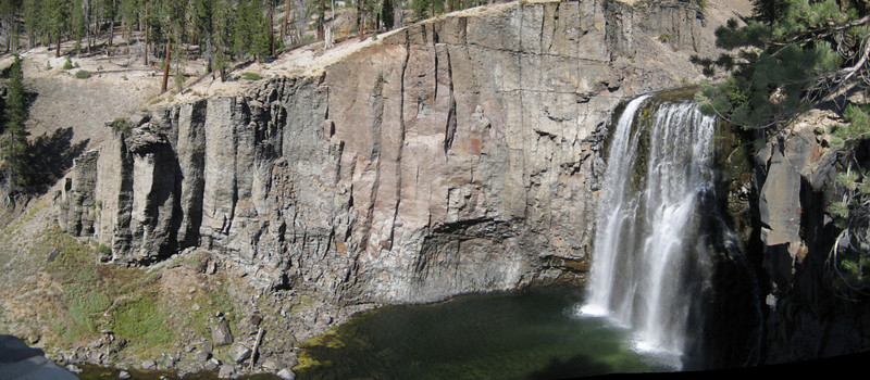 Rainbow Falls in the Devil's Postpile National Monument