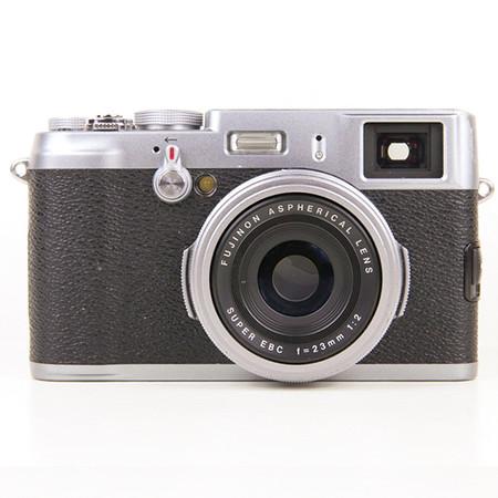 Fujifilm X100, Ansicht vorne