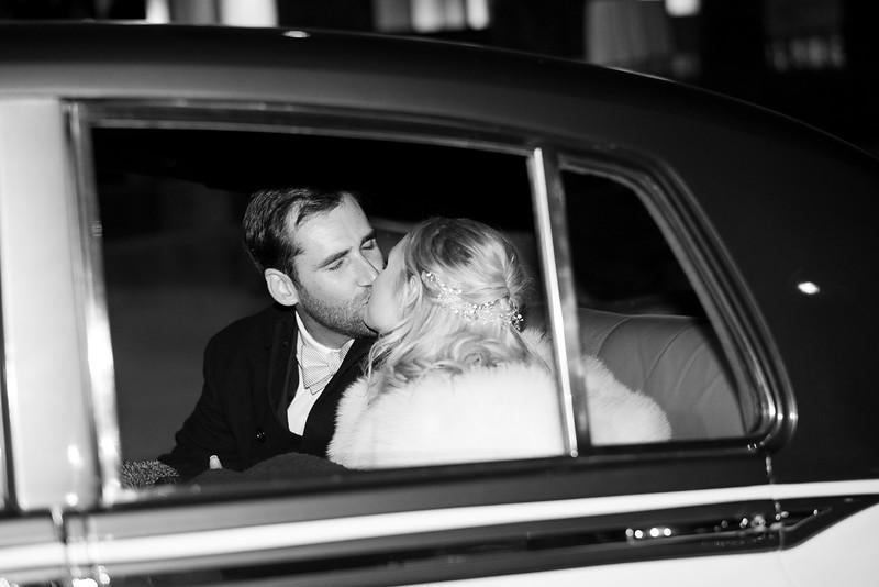 Romanic Car Kiss