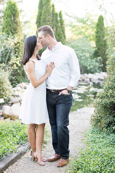 Engagement Pictures in Knoxville Tennessee