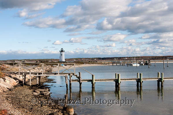 "(Link:<a href=""http://edgartownnews.blogspot.com/""> Edgartown News</a>) - a chronicle, in pictures and words, of a small island town."