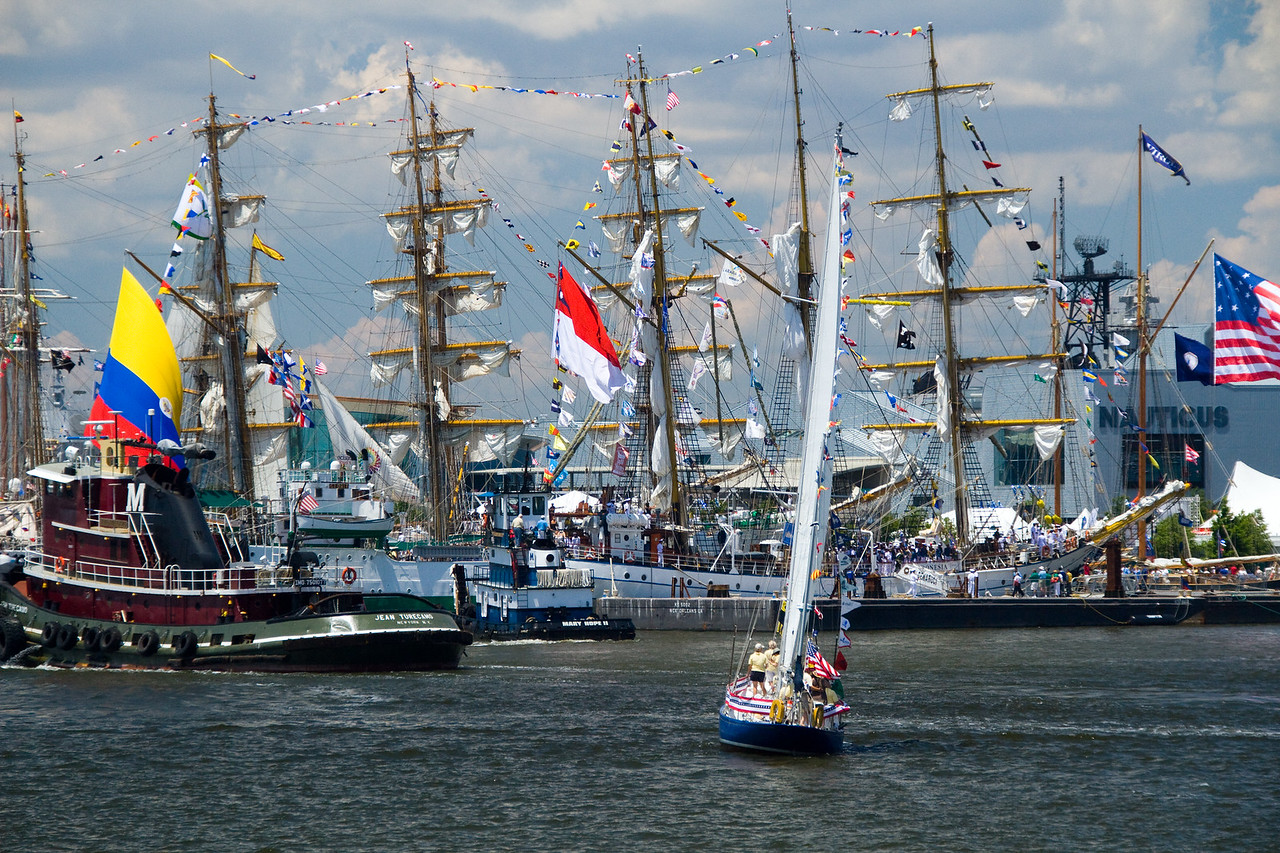Harbor mania with the tall ships.