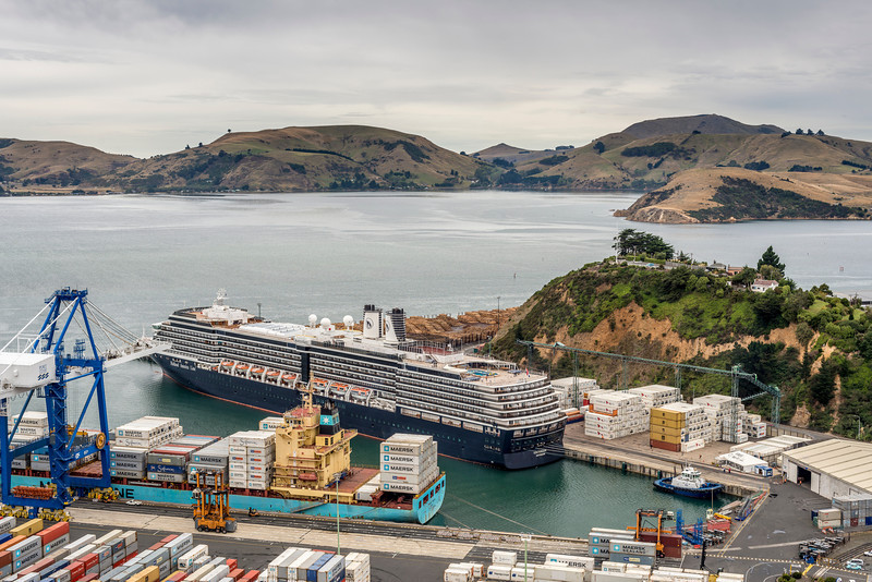 Cruiseship Oosterdam at Port Chalmers