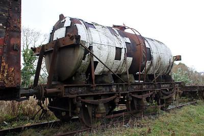 6w Milk Tanker W2506W at the Walker Line Sidings, Bodmin  03/12/11