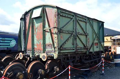 CLV205_JW6058 B773149  18/07/15.