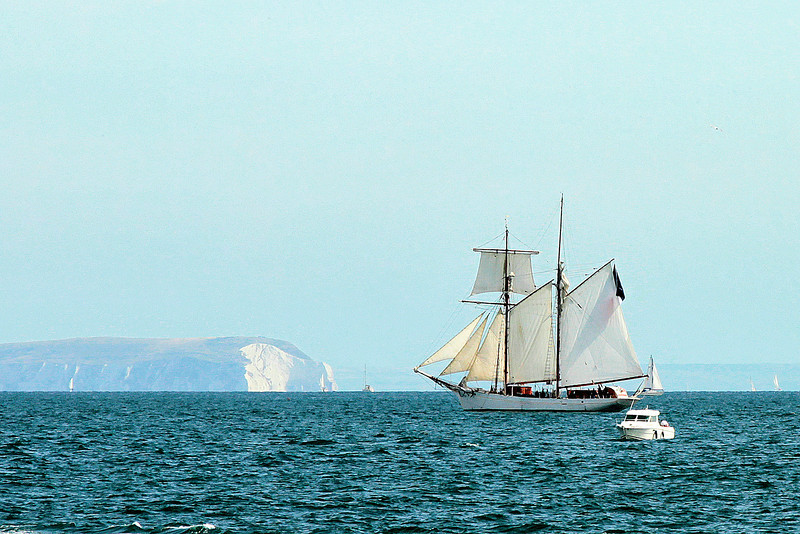 Out to sea a French sail training ship decides to watch - the Isle of Wight is in the background..