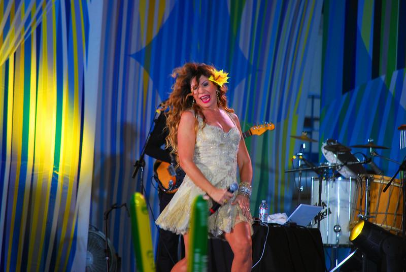 Brazilian Singer Elba Kamnlho
