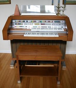 Lowrey organ: $195