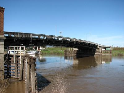 Knights Landing Bridge over the muddy Sacramento