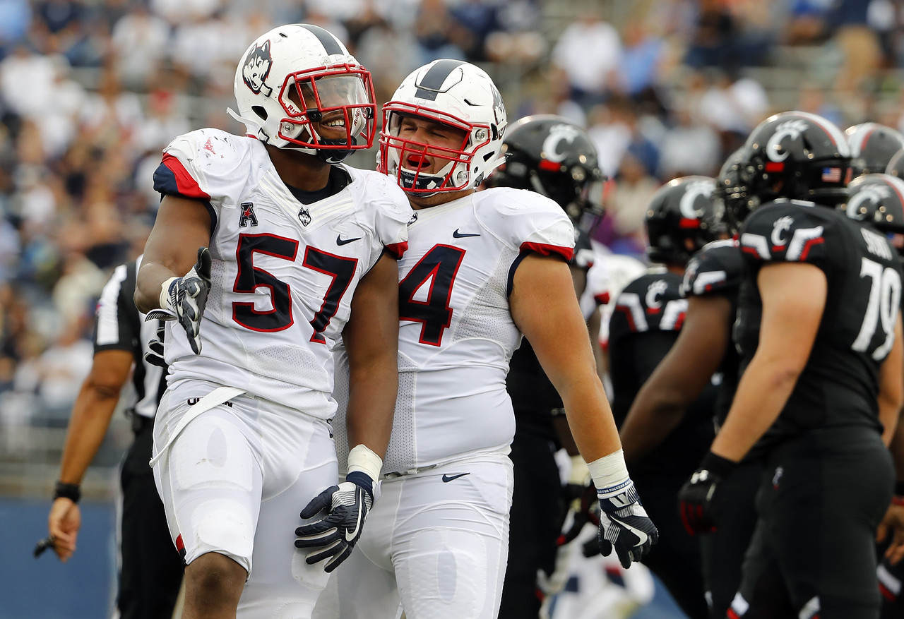 Cincinnati UConn Football
