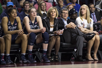 connecticut-sun-to-honor-uconn-womens-basketball-associate-head-coach-dailey-with-dydek-award