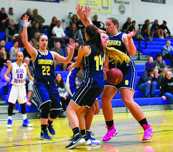 plainville-girls-basketball-takes-lead-into-halftime-but-falters-down-the-stretch-in-season-opener-against-simsbury