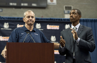 UConn Calhoun Retires Basketball
