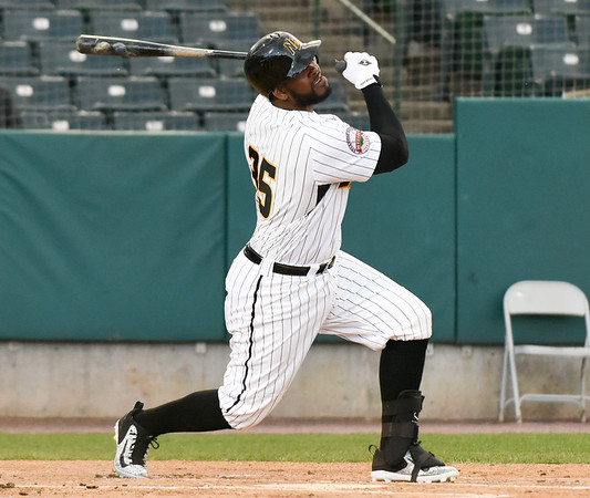 050217  Wesley Bunnell | Staff  The New Britain Bees vs Somerset Patriots on Tuesday evening. Jovan Rosa (35)