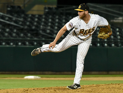new-britain-bees-erase-deficit-but-cant-hold-onto-late-lead-in-loss-to-bluefish