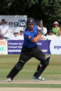 14C13296_Chris Nash batting