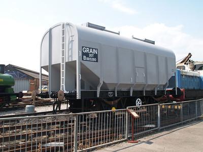 B885280 20t Grain Hopper at Quainton Road 29/06/09