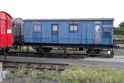 DE306307 LNER 20t PW Brake Van     14/08/11