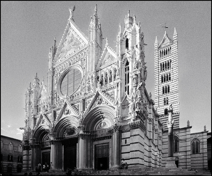 The Duomo della Santa Maria dell'Assunta, Siena (tmax 400 developed for grain in Rodinal)