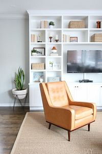 leather-chair-built-ins