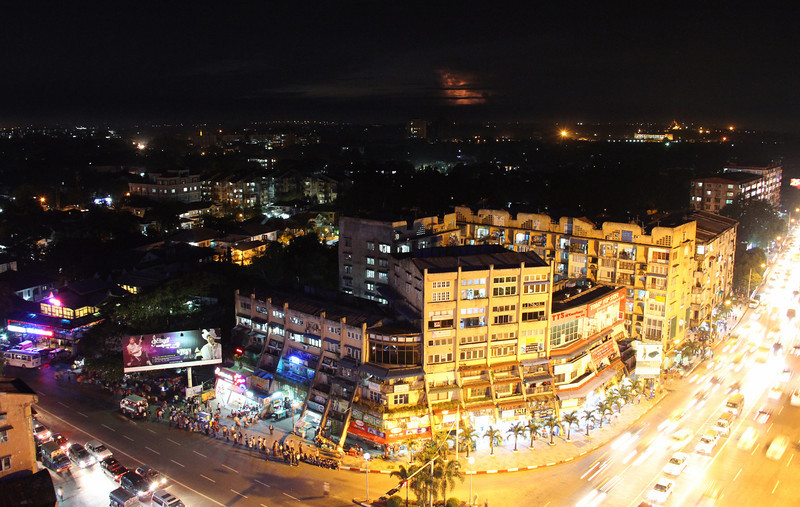 good night yangon! and lightning.