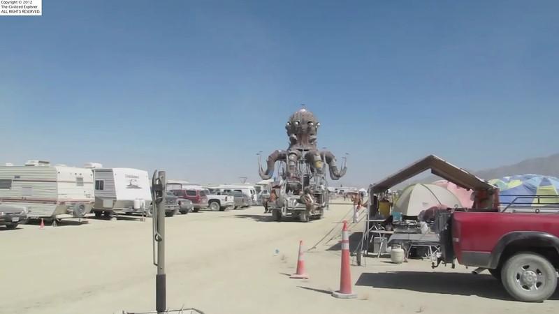 A day-time video of El Pulpo Mecanico.