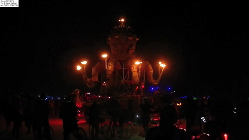 Night-time action of the mechanical octopus.