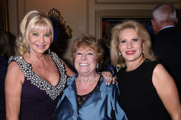 Ivana Trump, Catherine Saxton, Louise Kornblatt<br /> photo by Rob Rich © 2009 robwayne1@aol.com 516-676-3939