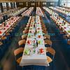 Dimanche 22 avril 2012, dans la salle polyvalente, les tables du banquet officiel qui suit la messe.