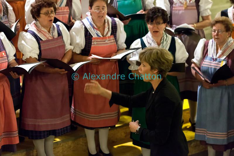 Samedi 21 avril 2012, Promasens, Eglise. Concert des choeurs paroissiaux. Ici, le choeur-mixte de Saint-Martin sous la direction de Fabienne Gremaud.