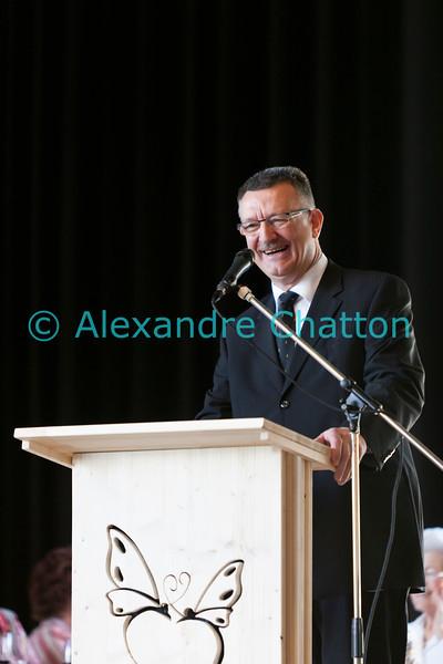 Dimanche 22 avril 2012, Georges Godel, président du Conseil d'Etat fribourgeois et président du comité d'organisation, s'adresse avec bonne humeur aux plus de 500 convives du banquet.