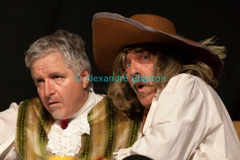 """Vendredi 20 avril 2012, Promasens, salle polyvalente: le spectacle intitulé """"L'coup du lapin"""" donné par la troupe du Cabaret d'Oron. Avec Cyrano de Bergerac."""