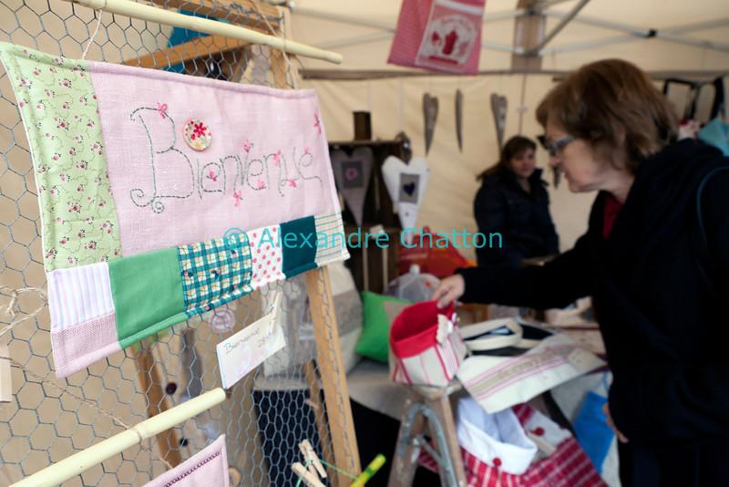Samedi 21 avril 2012, Promasens: le marché artisanal des Céciliennes se déroule de 11h à 17h entre la salle polyvalente et l'église. Bienvenue!